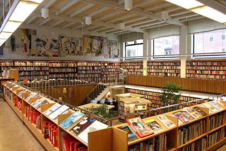 1024px-Halmstads_stadsbibliotek.jpg