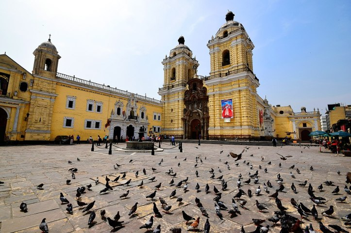 1280px-Basílica_y_Convento_de_San_Francisco_de_Lima,_Peru.jpg