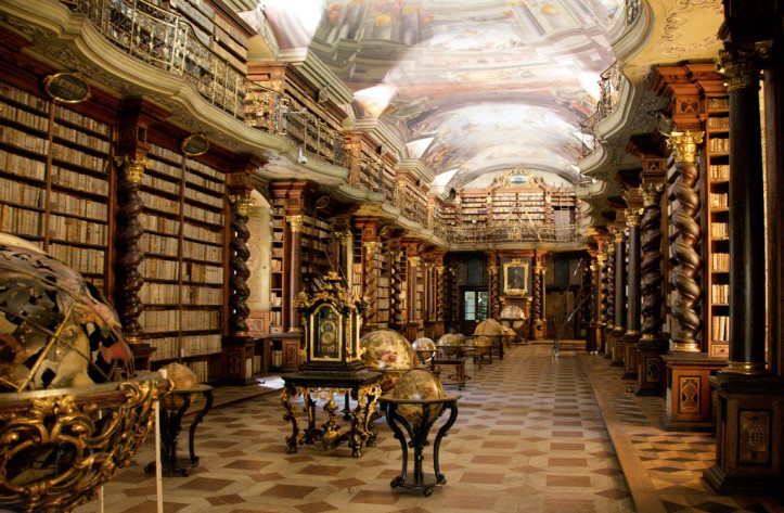 Clementinum_library (2).jpg