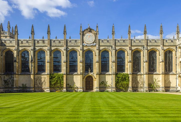 UK-2014-Oxford-All_Souls_College_02.jpg